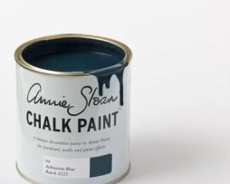 annie-sloan-chalkpaint-AubussonBlue-570x708