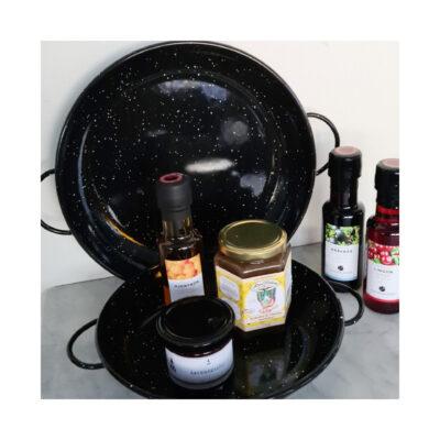 emaljerad-panna-svart-ute-matlagning-matlagning-paj-ugn-grillen-