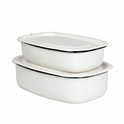 emaljerad-ugnsform-gratängform-kok-servering-vit-offwhite-svart