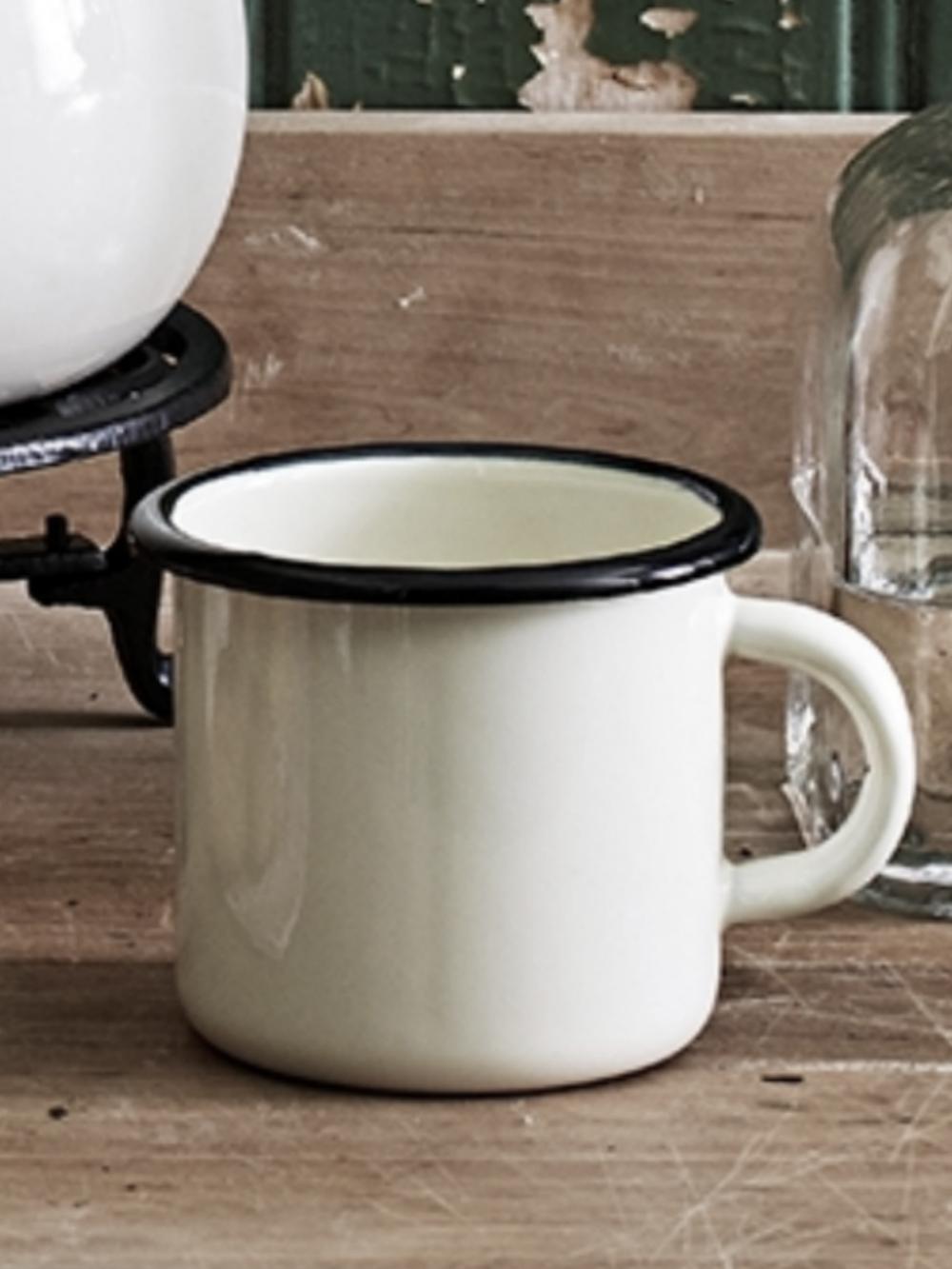 emaljerad-mugg--kopp-kok-kaffe-tea-choklad-dricka-vit-svart